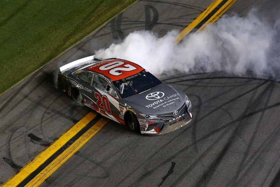 Erik Jones wins Coke Zero Sugar 400 at Daytona