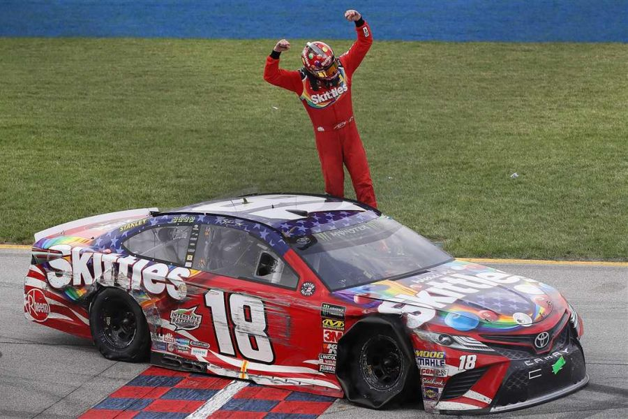 Kyle Busch wins Overton's 400 at Chicagoland