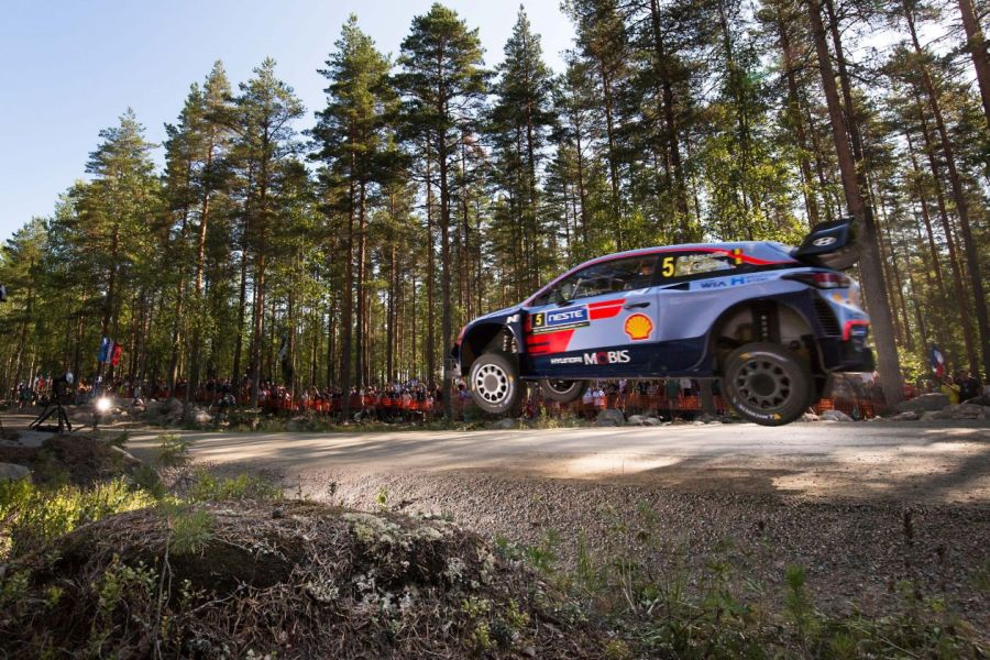 Rally Finland Thierry Neuville