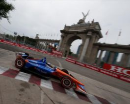 Scott Dixon wins the Honda Indy Toronto to extend the series lead