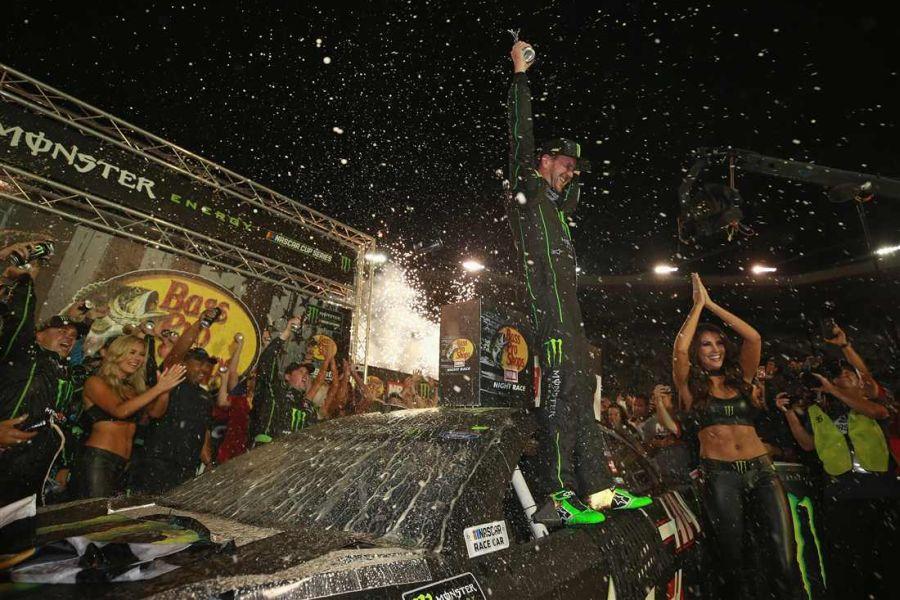 Kurt Busch wins Bristol NIght Race