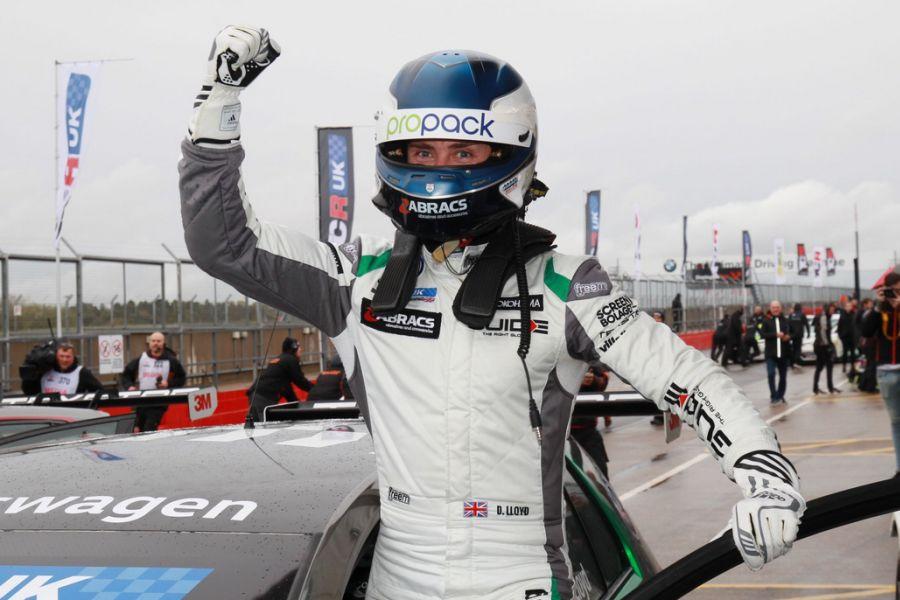 Daniel Lloyd TCR UK champion