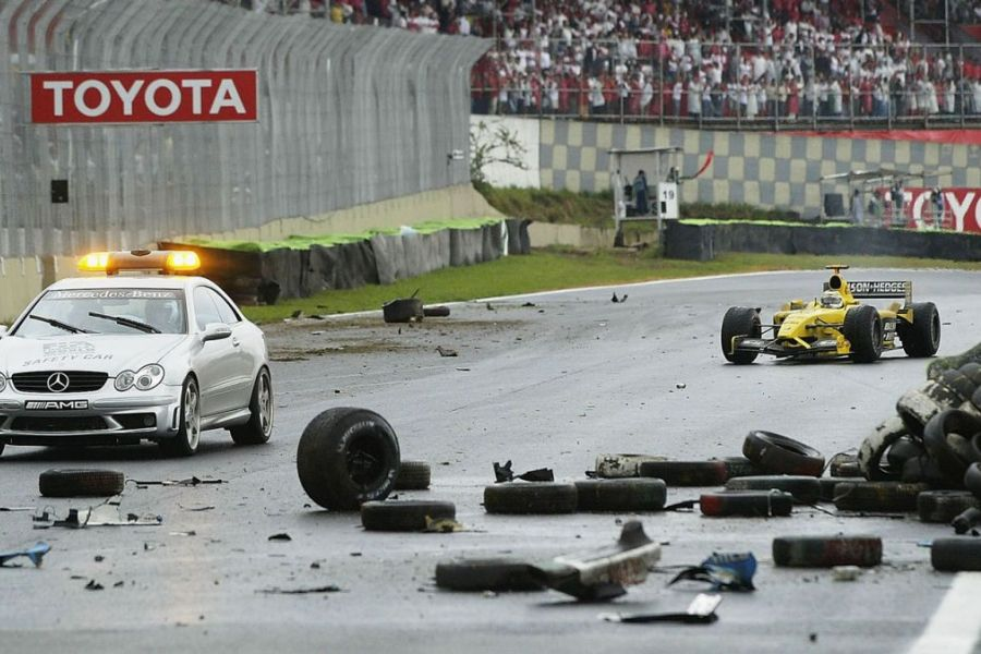 2003 Brazilian Grand Prix, Fernando Alonso crash
