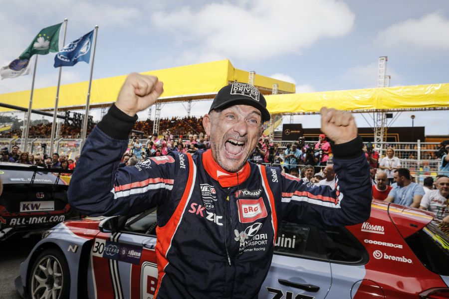 Gabriele Tarquini WTCR champion