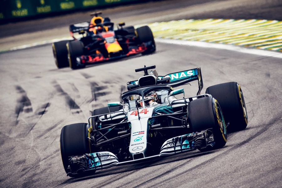 Lewis Hamilton wins the Brazilian Grand Prix