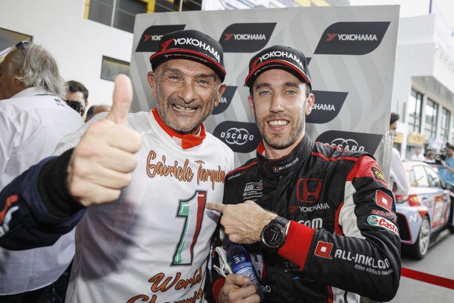 Gabriele Tarquini and the winner of the third race Esteban Guerrieri