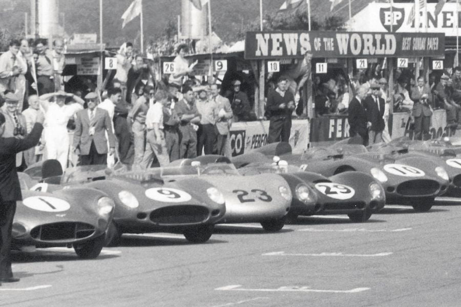 1959 RAC Tourist Trophy, cars lined up, black and white