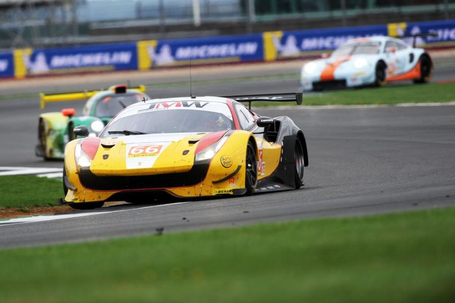 ELMS GTE Ferrari and Porsche