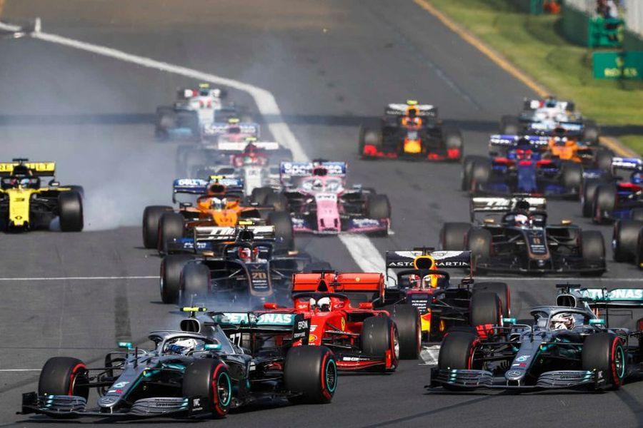 2019 Australian Grand Prix start, Bottas and Hamilton