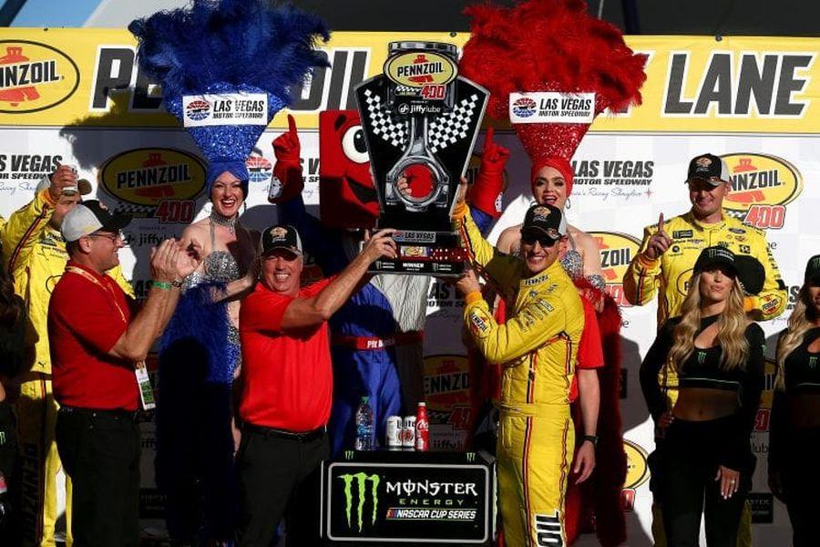 Joey Logano wins at Las Vegas