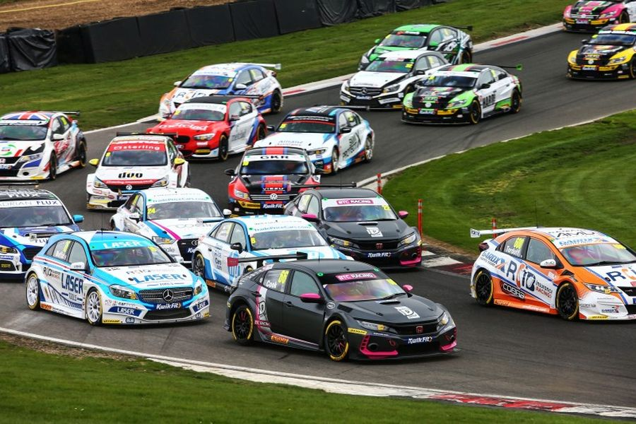 BTCC cars at Brands Hatch Circuit