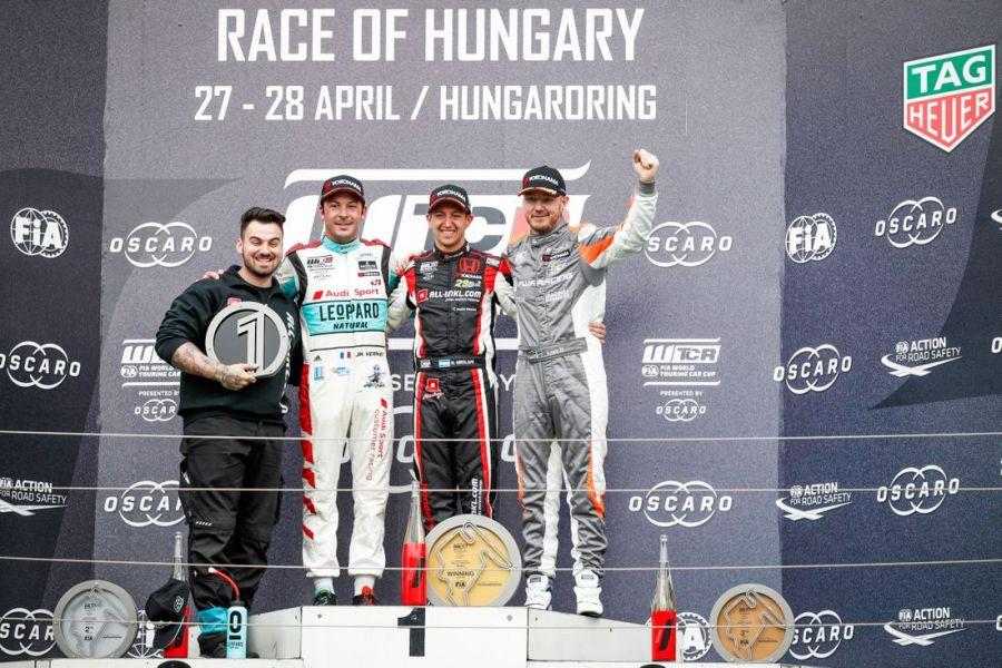 WTCR race 2 podium