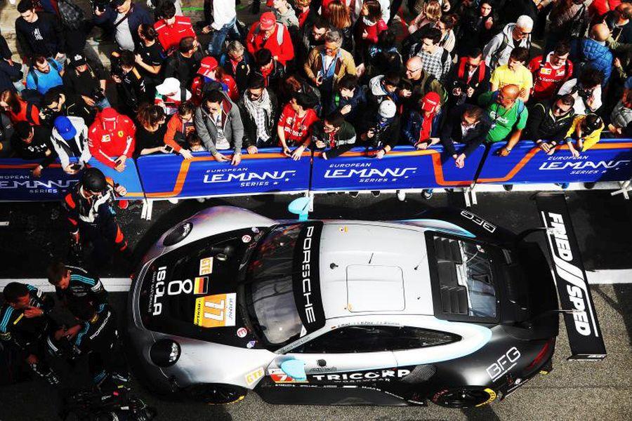 Dempsey-Proton Racing's #77 Porsche 911 RSR