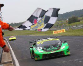 British GT: Double celebration for a crew in the green Lamborghini