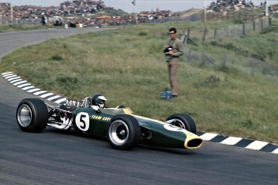 Jim Clark at 1967 Dutch Grand Prix in the #5 Lotus 49-Cosworth