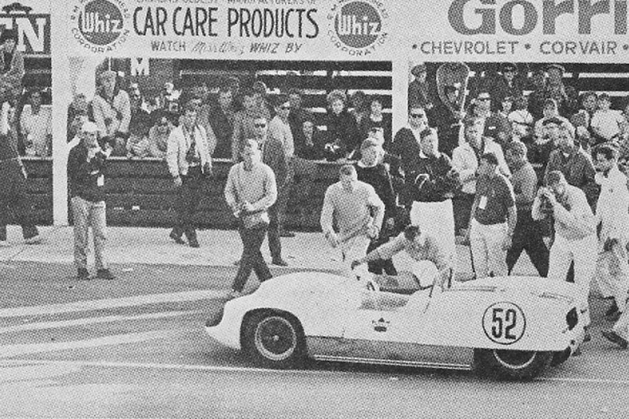 Peter Ryan in the #52 Lotus 19 Monte Carlo at 1961 Canadian Grand Prix