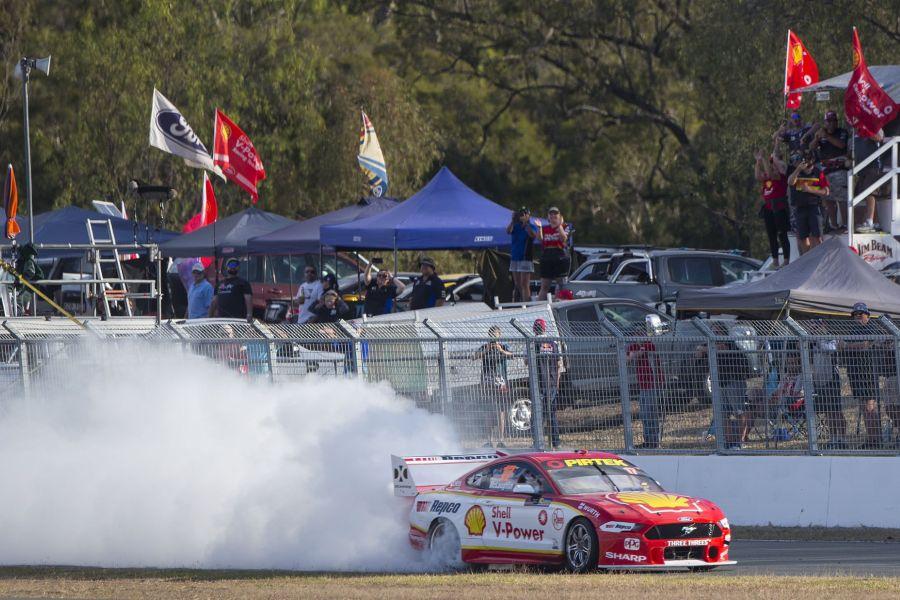 Supercars Ipswich Scott McLaughlin burnout