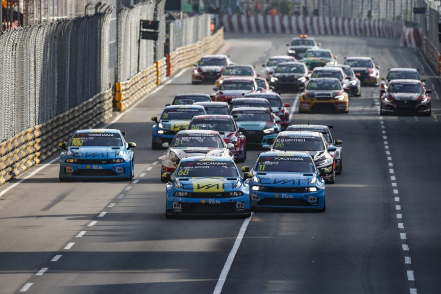 WTCR Macau R2 start