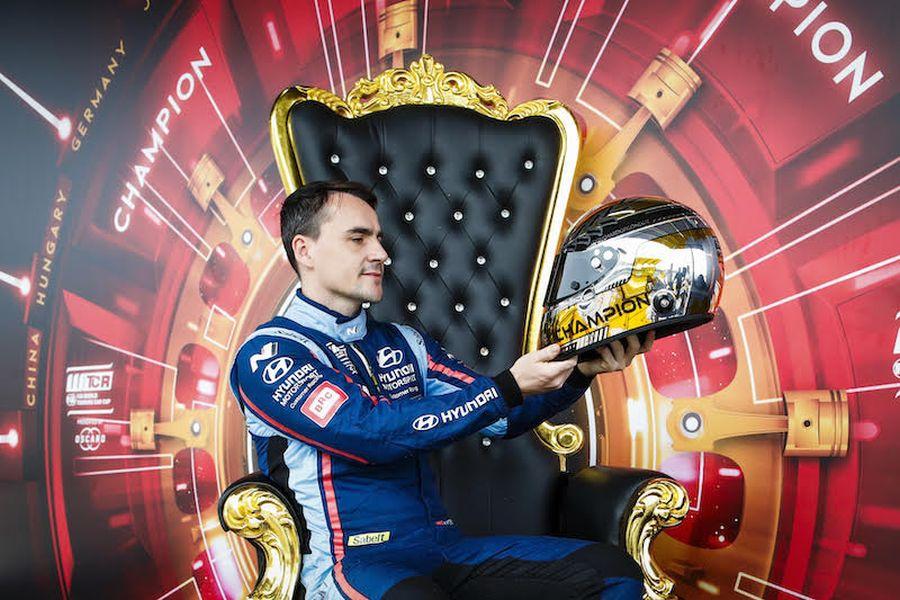 Norbert Michelisz 2019 WTCR champion